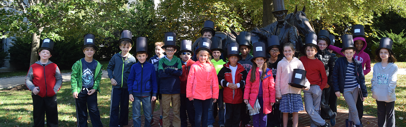 students with Lincoln hats